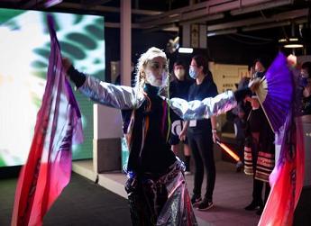 创意时尚体验「数码庞克号」正式启航 亲临深水埗进入超现实科幻世界 体验霓虹灯下的时装幻影